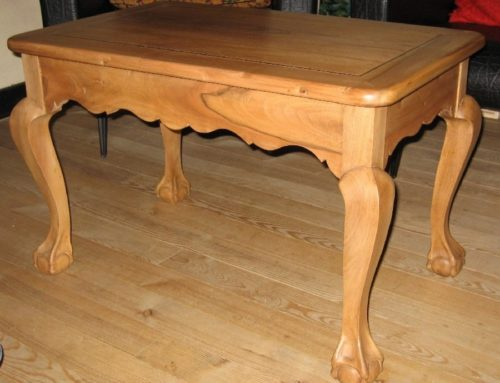Table basse style Queen Anne
