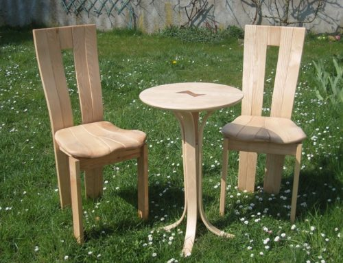 Guéridon et ses chaises