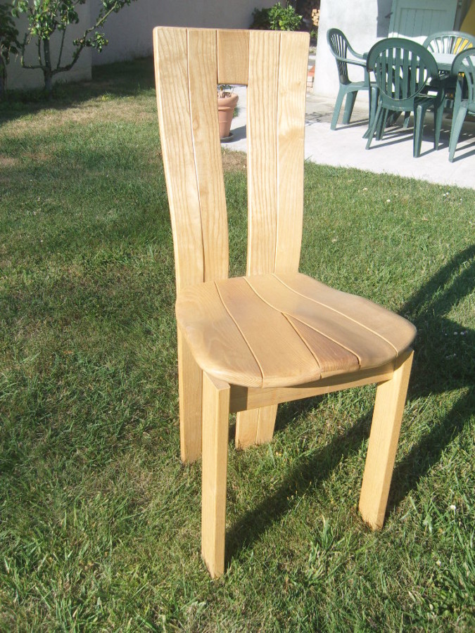 Ligne moderne assise + dossier en bois