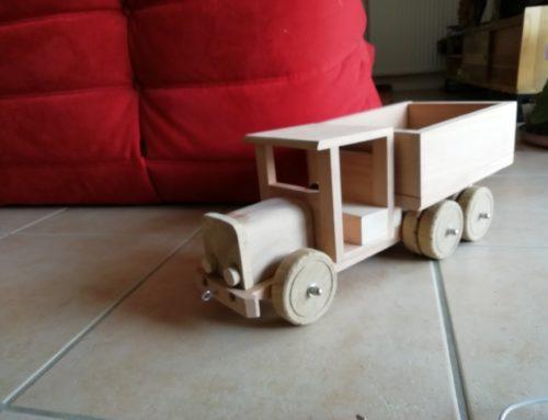 Un petit camion