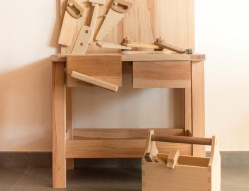 Etabli et outils en bois
