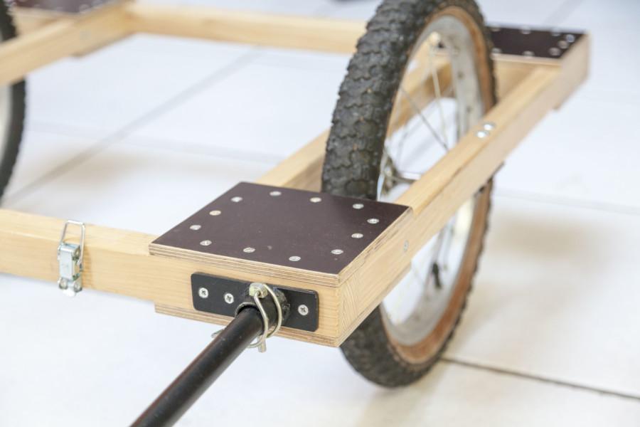 Charriote vélo - Gros plan sur l'attache
